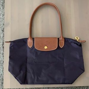 NWOT LONGCHAMP MEDIUM PURPLE LE PLIAGE
